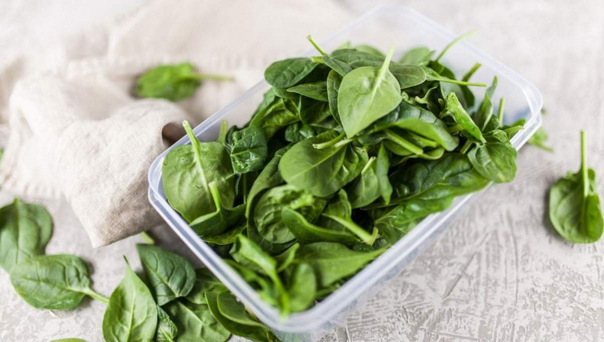 how to freeze leafy greens